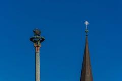 2 башни, крест & звезды Совета на предпосылке голубого неба Стоковое Изображение RF