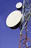 Башни радиосвязи против голубого неба Стоковое Изображение RF