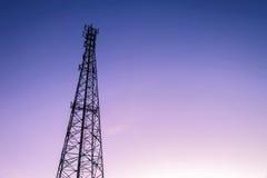 Башни радиосвязи с антеннами Стоковое фото RF