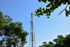 Башни радиосвязи стоковая фотография rf