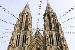 2 башни собора Philomena Святого в Майсуре, Karnataka, Индии Стоковые Изображения