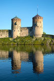 2 башни средневекового крупного плана Olavinlinna крепости Savonlinna Стоковое фото RF