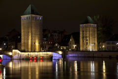 Башни средневекового моста Ponts Couverts в страсбурге, Франции Стоковая Фотография