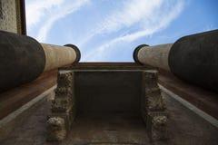 2 башни увиденной от дна Стоковые Фото