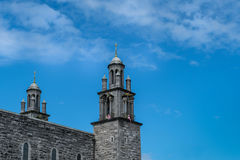 2 башни фланкируют вход к собору Голуэй, Ирландии Стоковая Фотография RF