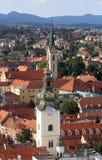 Башни церков St Mary и Св.а Франциск Св. Франциск Assisi в Загребе Стоковые Изображения RF