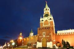 Башни Spassky, Tsarskaya и Nabatnaya Москвы Кремля на Re Стоковые Изображения
