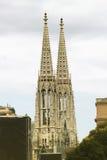 2 башни Votive церков в вене, Австрии Стоковые Изображения