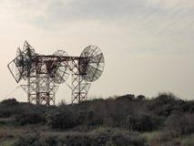 Башня антенны радиосвязей с антеннами Стоковые Изображения RF