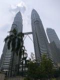 Башня близнецов Petronas - изумительная высота 452 метров - Куала-Лумпур - Малайзия Стоковая Фотография