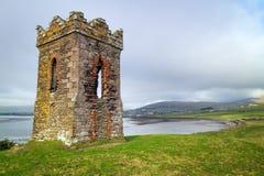Башня вахты Ирландского над заливом Dingle Стоковые Изображения RF
