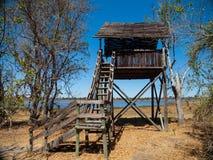 Башня вахты около бассейнов гиппопотама Dombo Стоковое Изображение RF