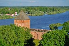 Башня дворца Новгорода Кремля от высоты, Veliky Новгорода Стоковые Фото