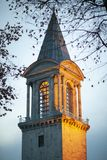 Башня в вечере, Стамбул дворца Топкапы, Турция - декабрь 2014 стоковые изображения rf
