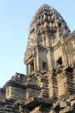 Башня детализирует детали голубого неба, старое Angkor Wat Стоковые Изображения RF