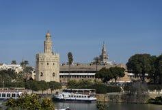 Башня золота рядом с рекой Гвадалквивира в городе Севильи, Испании Стоковое фото RF