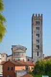 башня Италии lucca церков Стоковая Фотография