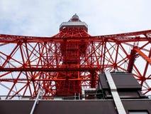 Башня и здание токио Стоковая Фотография RF