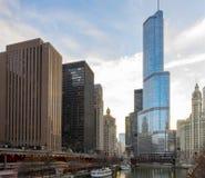 Башня козыря обозревая Реку Чикаго Стоковое фото RF