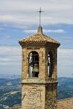 башня колокола старая Стоковые Изображения