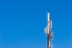Башня клетки против голубого неба Стоковая Фотография RF
