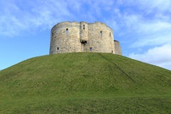 Башня Клиффорда, Йорк, Англия Стоковые Изображения