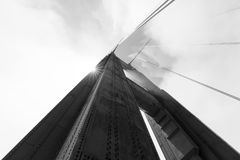 Башня моста золотого строба в тумане, Сан-Франциско Стоковая Фотография