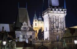 Башня моста Mala Strana на Карловом мосте в Праге, чехии Стоковые Изображения