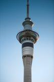 Башня на зоре MCU неба Auckland Стоковая Фотография