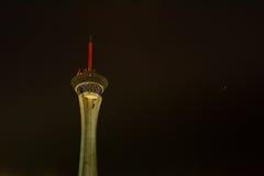 Башня на ноче, Лас-Вегас стратосферы Стоковая Фотография RF