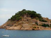 Башня на утесе в Средиземном море (Vila Vella) Стоковое фото RF