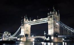 башня ночи моста Стоковые Изображения