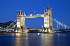 башня ночи london моста стоковое изображение