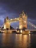 башня ночи london моста Стоковое фото RF