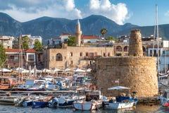 Башня обороны цепная в гавани Kyrenia Кипр стоковые фотографии rf