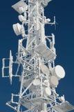 Башня передатчика, который замерли в заморозке зимы Стоковое фото RF