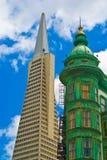 Башня пирамиды и часового Сан-Франциско Transamerica Стоковое Изображение