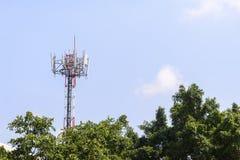 Башня радиосвязи в сцене конца-вверх Стоковое Изображение