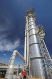 Башня рафинадного завода в промышленном предприятии Стоковое фото RF