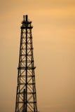 Башня рафинадного завода газовой горелки Стоковая Фотография RF