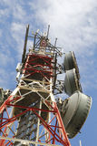 Башня радиосвязей против голубого неба Стоковое Фото