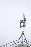 башня репитера мобильного телефона связи антенны Стоковые Фотографии RF