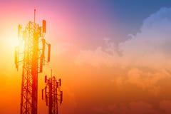 Башня связи или cellsite телефона сети 3G 4G стоковые изображения rf