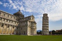 Башня склонности Пизы и собора Santa Maria Стоковые Изображения RF