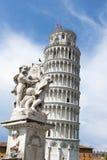 Башня склонности Пизы стоковые фото