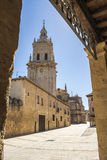 Башня собора в El Burgo de Osma, Сории, Кастили-Леоне, Испании Стоковые Фотографии RF