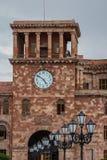 Башня с часами в центре Еревана стоковая фотография
