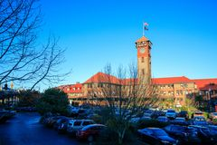 Башня с часами здания транспорта поезда станции соединения сложная стоковое фото rf