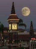 Башня с часами и луна Стоковая Фотография