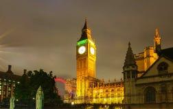 Башня с часами на ноче, Лондон большого Бен, Великобритания стоковое фото